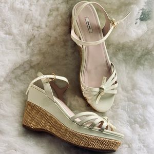 1393ec02705 Miu miu rope   patent leather wedges sandals